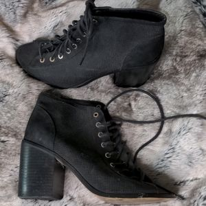 Open Toed Lace-up Boots